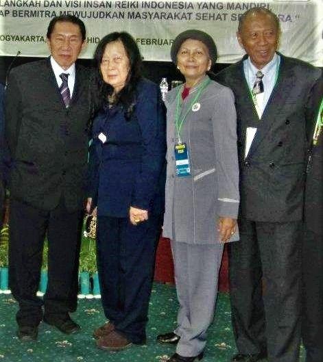 ket. foto: bersama Kol. Bambang Suko Winarno mantan Bupati Kerinci / dokumentasi pribadi