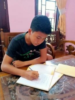 Pelajar SMA Negeri 1 Langsa saat melaksanaan proses pembelajaran secara Daring
