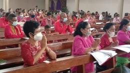 Gambar dok.pri./Penerapan protokol kesehatan di Gereja Katedral Atambual