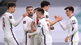 Selebrasi pemain-pemain England ketika menang lawan Albania (Foto Skysports)