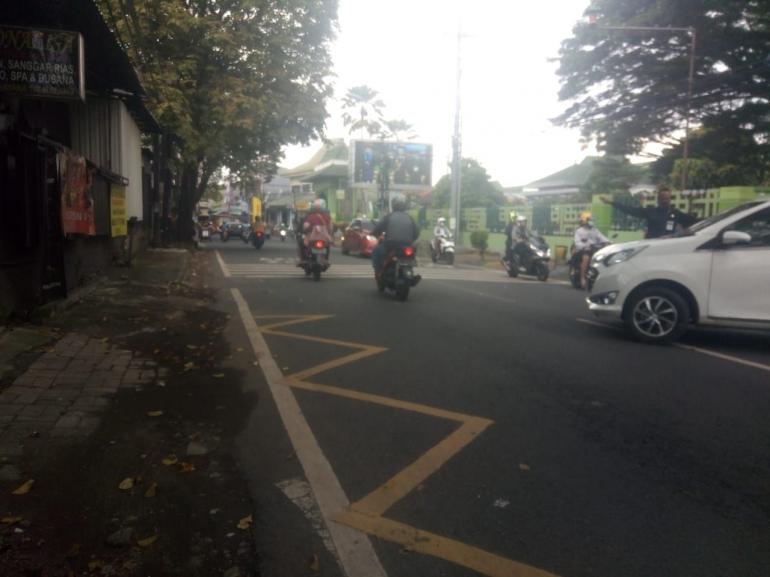 Salah satu titik di Kota Malang yang terjadi kemacetan (sumber: dokumen pribadi)