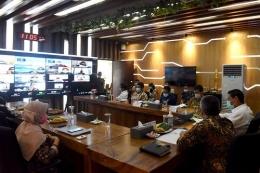 Rapat koordinasi Percepatan dan Perluasan Digitalisasi Daerah yang dipimpin oleh Walikota Kediri, Abdullah Abu Bakar (foto: website resmi Pemerintah Kota Kediri)