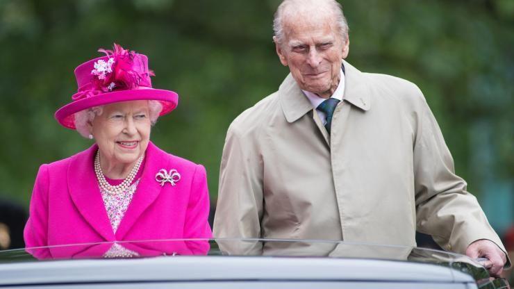 Ratu Elizabeth II bersama dengan suaminya, Pangeran Philip (Sumber: newsnationnow.com)