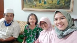 Dari kiri ke kanan: Kakak Ipar, Tante, Kakak kandung dan Keponakan (Dok.Pri. Grup WA Keluarga)