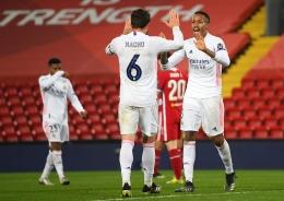 Pemain Real Madrid yaitu Nacho Fernandez dan Eder Militao. Sumber: UEFA Champions League.