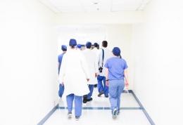 Ilustrasi perawat (Sumber : luis melendez via unsplash.com)