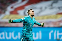 Manuel Neuer. (via bavarian footballworks.com)