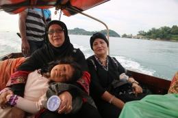 Saat menuju ke Pulau Belakangpadang dengan menggunakan boat. | Dokumentasi Pribadi