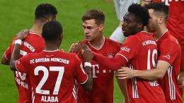 Pemain Bayern Munchen merayakan gol ke gawang Bayer Leverkusen. (via beinsports.com)