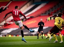 Tendangan Mason Greenwood ke gawang Burnley berbuah gol (Source : Independent.co.uk)