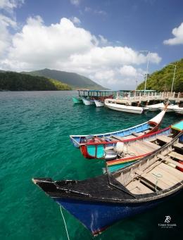 Perahu-perahu yg siap mengantar wisatawan. Sumber: koleksi pribadi