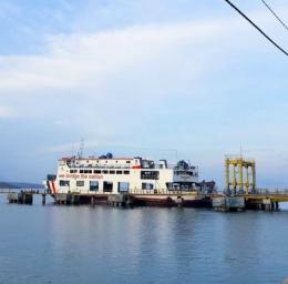 Kapal ferry dari Pelabuhan Sape ke Pelabuhan Waikelo (Dokpri)