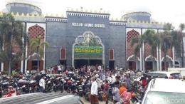 Suasana salat Jumat di Masjid Agung Brebes, Jumat (20/3/2020). (Foto: Imam Suripto/detikcom)