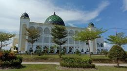 Masjid Agung Al Ikhlas Penajam Paser Utara Tampak dari Samping Kiri (Dokpri @AMS99)