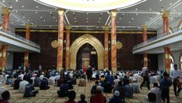 Masjid Agung Al Ikhlas Penajam Paser Utara Tampak Bagian Dalam Setelah Salat Jumat (Dokpri @AMS99)