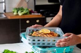 Selalu stok makanan siap santap saat sahur. | Dokumentasi UNSPLASH/ELLO yang diambil dari kompas.com