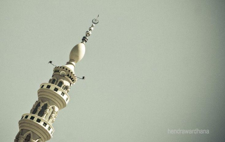 Menara masjid dengan toa  dok. pribadi.
