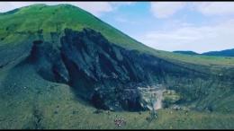 Gunung Lokon dan Kawah Tompaluan (dokumen pribadi)