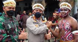 Foto: Kombespol Leo Simarmata di acara launching orang tua asuh Mahasiswa Papua / humas.polri.go.id