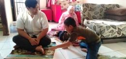 Mengenalkan anak konsep disiplin waktu dalam beribadah/ sholat , Dokpri