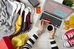 Ilustrasi belanja online pakaian dan aksesoris baru untuk Hari Raya (kompas.com/seb_ra)