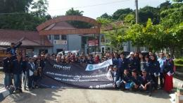 Mahasiswa Kriminologi Universitas Budi Luhur saat mengunjungi Lapas Nusakambangan pada tahun 2017 (Foto adalah koleksi pribadi penulis)