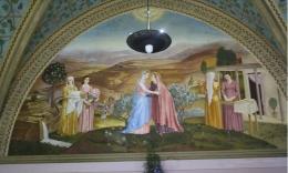 Lukisan pertemuan Bunda Maria dan Elisabeth di Gereja Visitation (dok pribadii)
