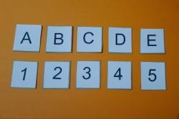 Belajar huruf dan angka (Sumber: dokumentasi pribadi)