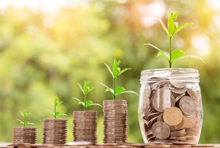 Memberikan anak lot saham sebagai hadiah bisa menjadi trend setelah Raditya Dika, tapi ada hal yang harus diperhatikan (N. Kanchanaprat/Pixabay)