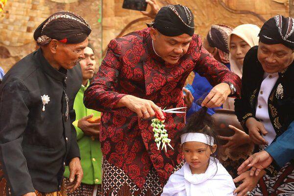 Tradisi Ruwat Rambut Gimbal-Bisnis.com