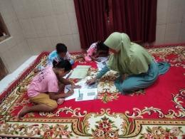 Gambar 2. Bimbel Tematik pada Materi Bahasa Indonesia (Dokpri)