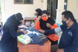 Pemeriksaan administrasi dan kesehatan pada ODGJ. (dok)