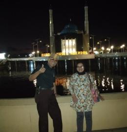 Berkunjung ke Makassar. Masjid terapung-Pantai Losari (Sumber: Dokpri)