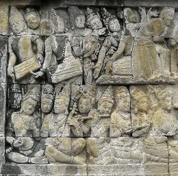 Relief alat musik di Candi Borobudur (Dok. Takaitu)