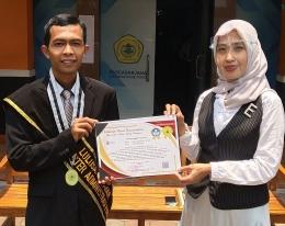 Foto bersama Dr. Ipah Ema Jumiati. M.Si, Dosen Untirta (Dokpri)