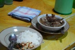 Nasi becek/sego becek khas Nganjuk yang mantap banget! (Kompas.com/Puthut Dwi Putranto)
