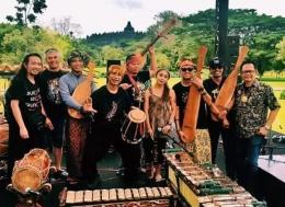 Musisi yang memainkan alat musik yang ada di relief Candi Borobudur (Dok. Japungnusantara.org)
