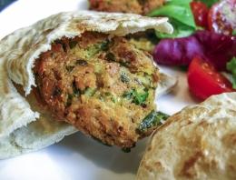 Penganut vegan dapat mengkreasikan falafel dan menu non-hewani lainnya untuk masakan lebaran (Richard Klasovsky/Pixabay)