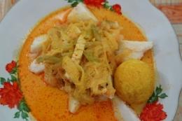 Selain rawon daging, saya juga merindukan kuliner lebaran ketupat opor (Kompas.com/Gabriella Wijaya)