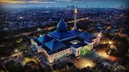 https://www.surabayarollcake.com/blog/masjid-al-akbar-surabaya-masjid-agung-nasional/