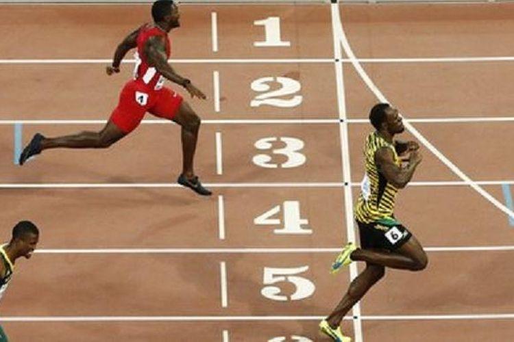 Pelari mencapai garis finish (sumber gambar: kompas.com)