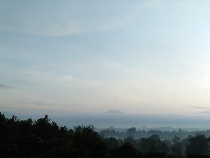 Lembah berselimut embun pagi (Dokpri)