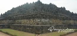 Perspektif lain melihat Candi Borobudur. (sumber : www.deddyhuang.com)