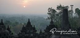 Sunrise di Borobudur (sumber : www.deddyhuang.com)