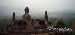 Stupa Buddha di bagian level atas candi. (sumber : www.deddyhuang.com)