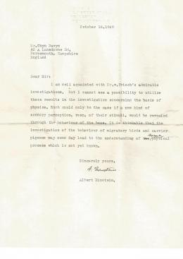 Surat singkat Einstein yang mengungkap keterkaitannya dengan sistem navigasi lebah madu. Sumber: Dyer et al. (2021)