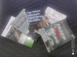 Kelima buku kumcer saya. Buku praktik menulis cerpen sedang dalam antrean. Sumber: dokpri