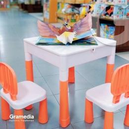 Jangan cemas, ada kursi baca mini di Gramedia Jogja - Instagram @gramedia_jogjasudirman