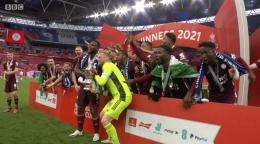 Selebrasi Gelar Juara FA Cup Tim Leicester City . Sumber: BBC