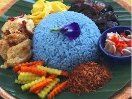 Nasi yang berwarna semakin membuat hidangan menggoda / jogjakita.co.id